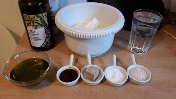 Zutaten für Focaccia Genovese